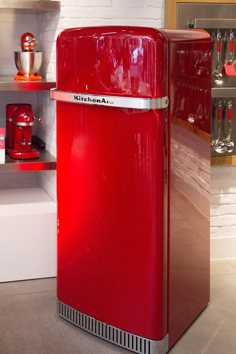KitchenAid Iconic Fridge - Red Dot Design Award