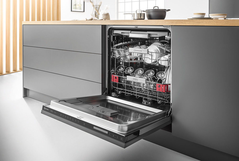 Bauknecht Built-In Touch UI Dishwasher - Red Dot Design Award