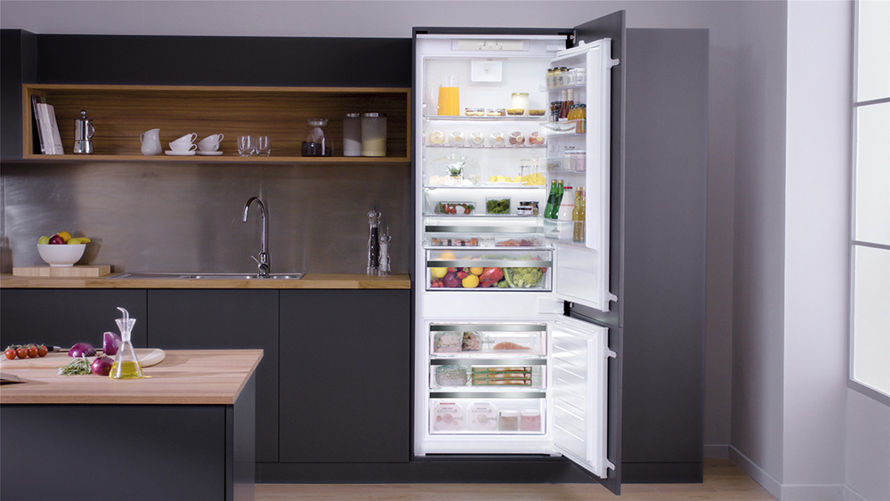 Hotpoint 70cm built-in fridge freezer at Eurocucina 2018